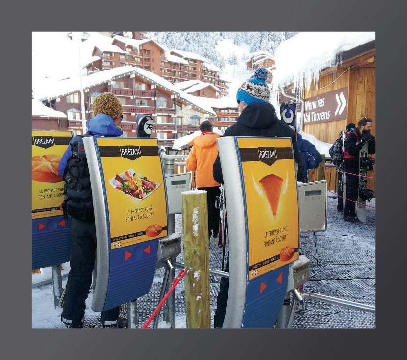 Campagne d'affichage 2013 en situation aux portillons d'accès aux pistes